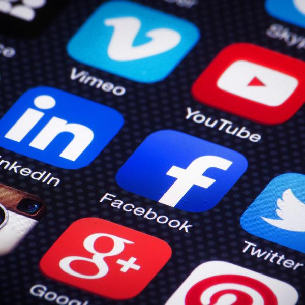 Vpliv družabnih medijev