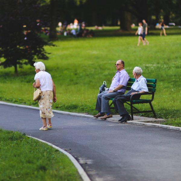 Skrb za starejše v Sloveniji: smo (še) socialna država?